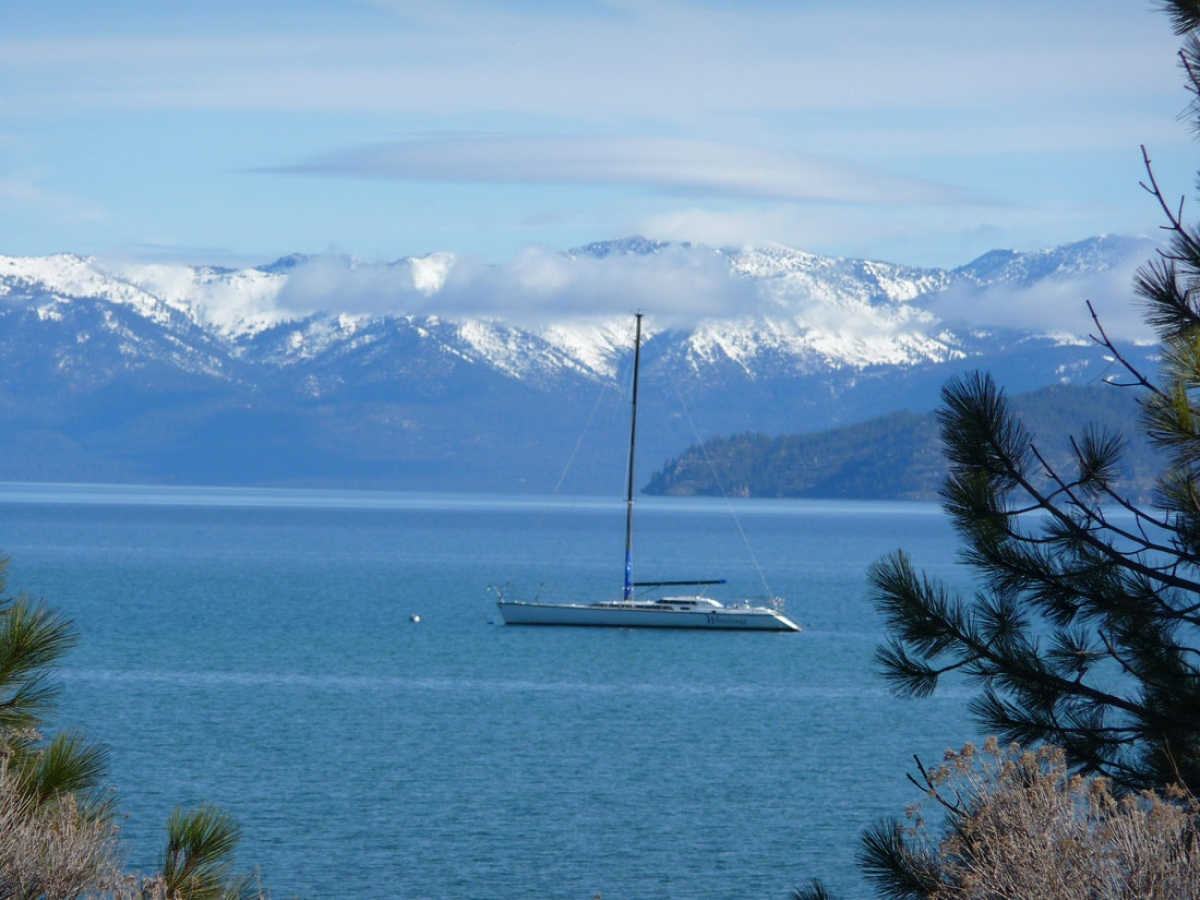 http://loscureza.com/files/gimgs/th-24_West-tahoe-boat-copy-sm.jpg